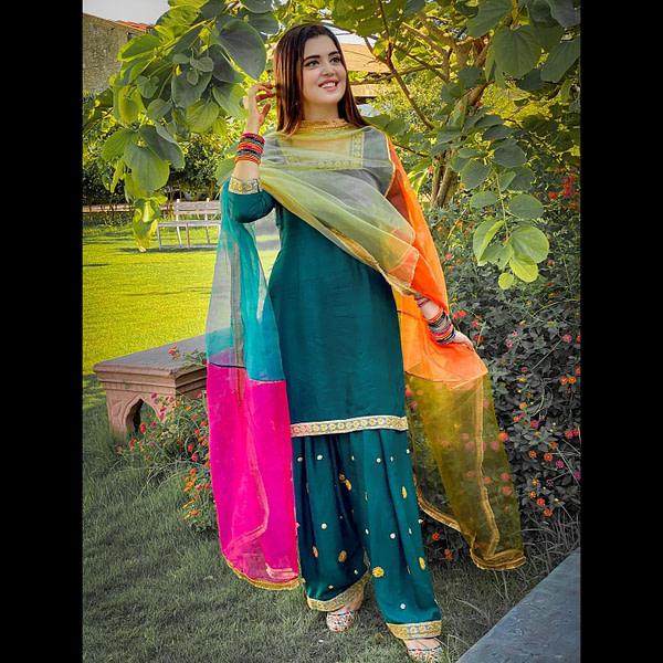 kanwal aftab formal mehndi wear